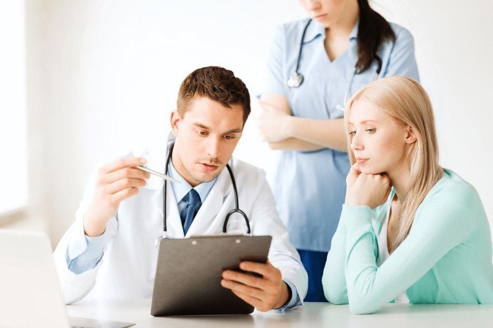 Только квалифицированный специалист может назначить корректный курс терапии